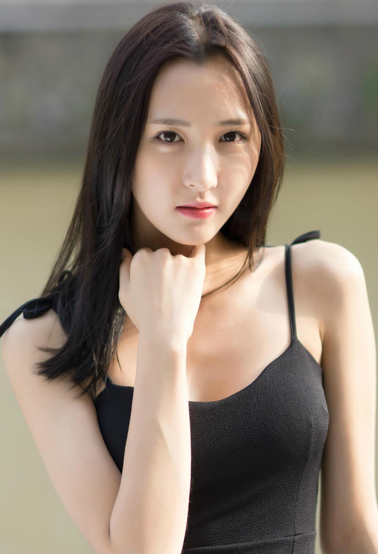 百度空间 【268】清纯黑衣小美女