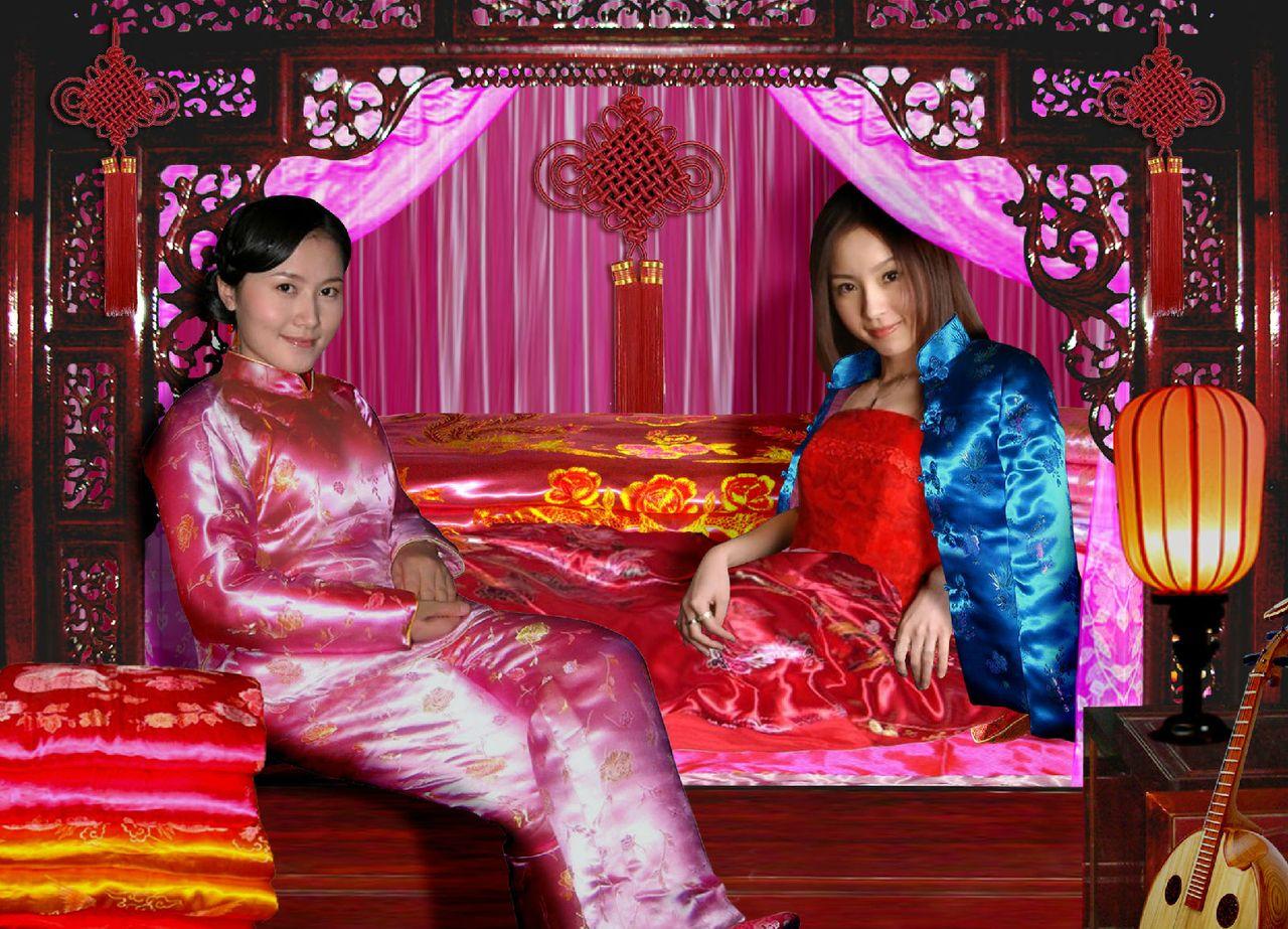 红缎棉袄美女||大红缎袄美女照片||影视剧中红缎袄
