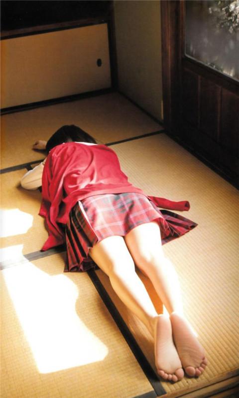 短裙性感美女图片动态壁纸-9